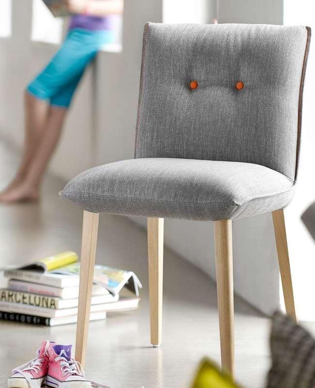 chaise 4 pieds tissu scandinave