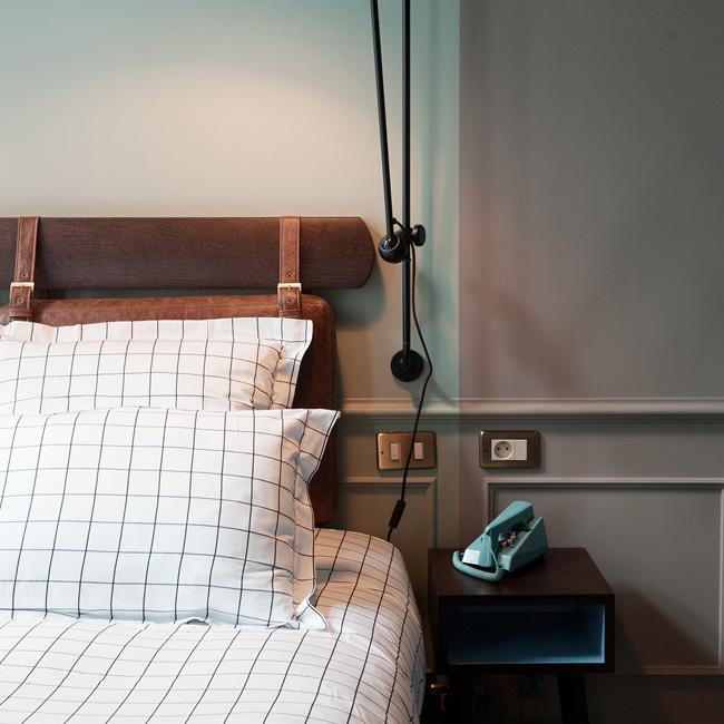 deco cuir chambre tête de lit bois
