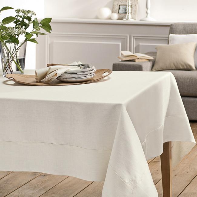 linge de table en lin blanc cerise blanc cassé