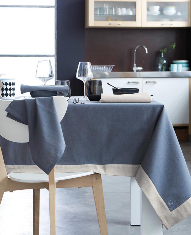 linge de table en lin blanc cerise bleu