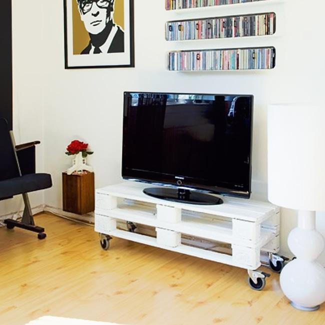 meuble tv palette diy petit blanc roulette