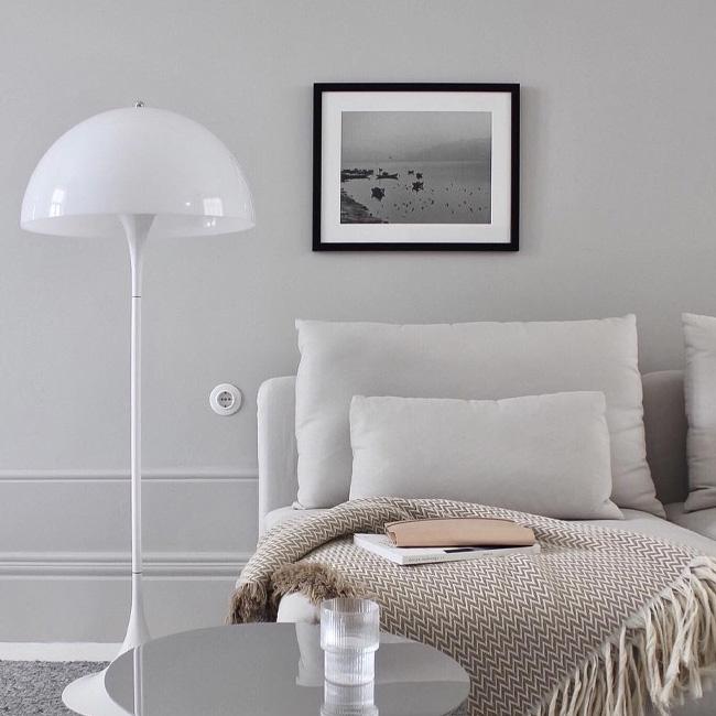 visite deco minimaliste lampe blanche salon
