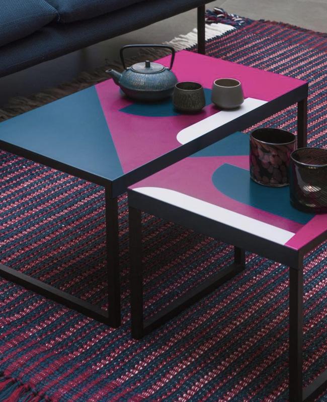 table basse pas chère moins de 100 euros métal noir motif