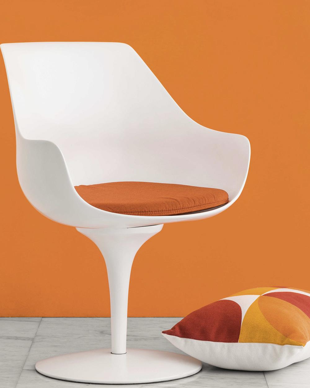 deco orange chaise