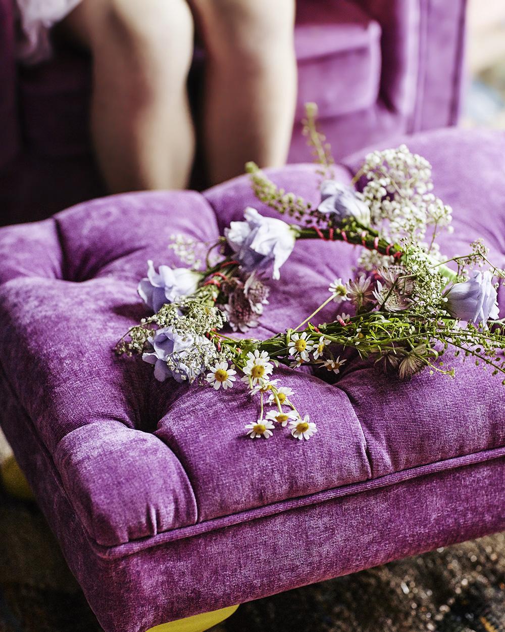 pouf capitonné violet en velours