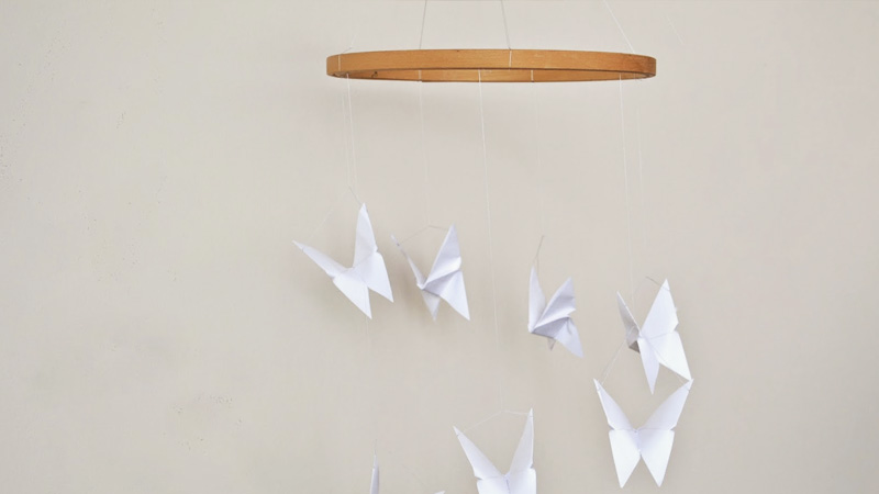 mobile enfant papillon diy