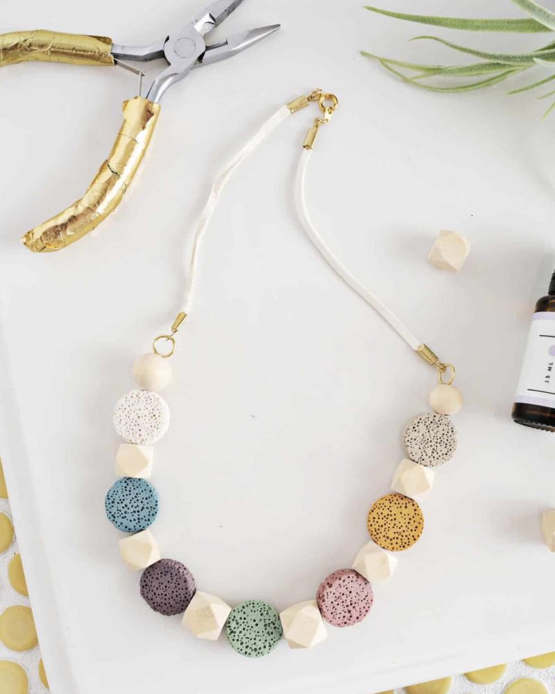 collier diy perles paillette