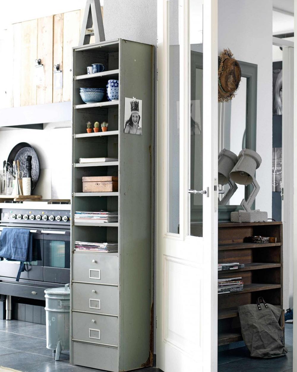 casier en métal dans cuisine