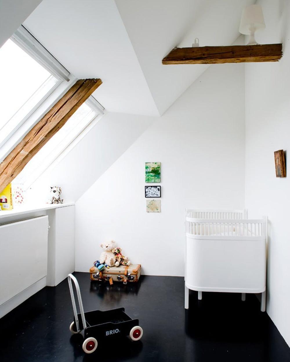 chambre enfant minimaliste sol noir