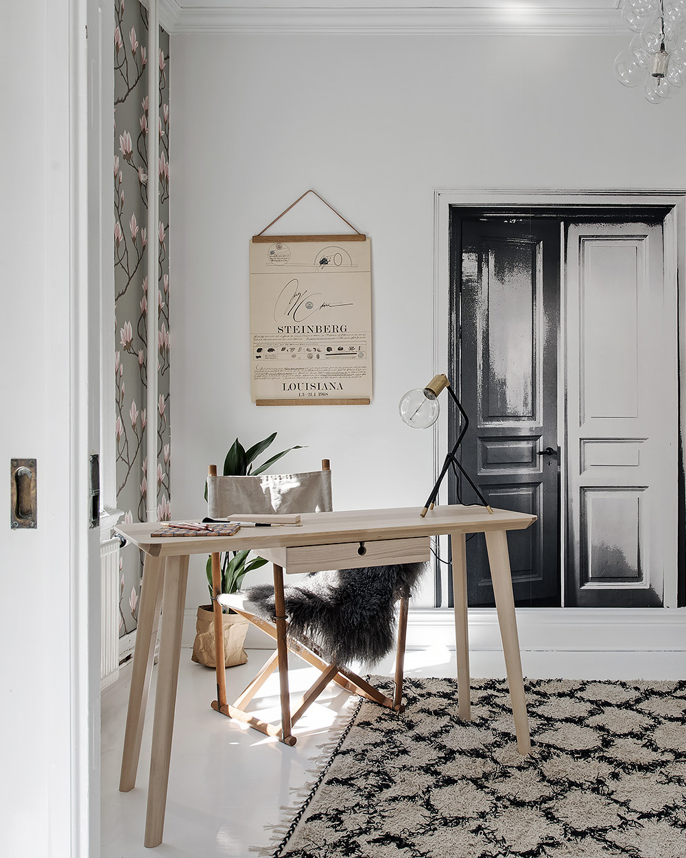 deco blanche papier peint floral bureau
