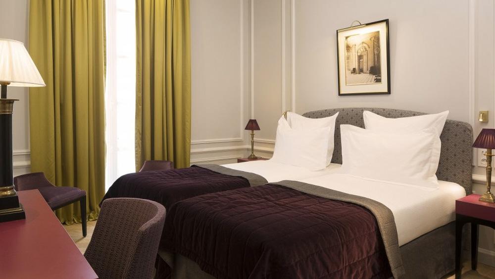 deco hotel bourgogne montana