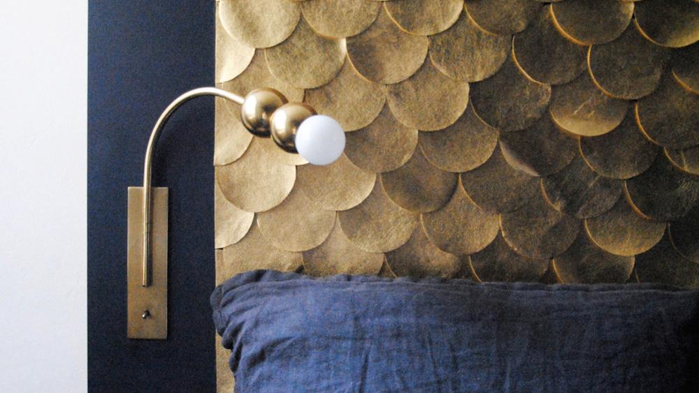tete de lit diy écailles dorées