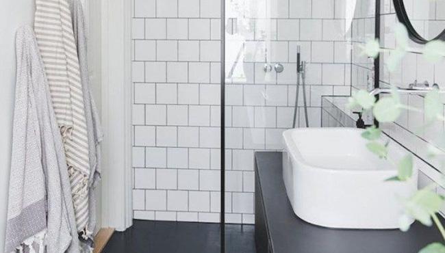 déco salle de bain scandinave noir béton