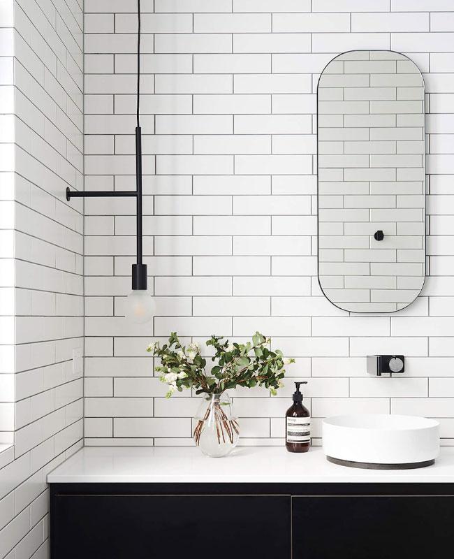 déco salle de bain scandinave noir moderne