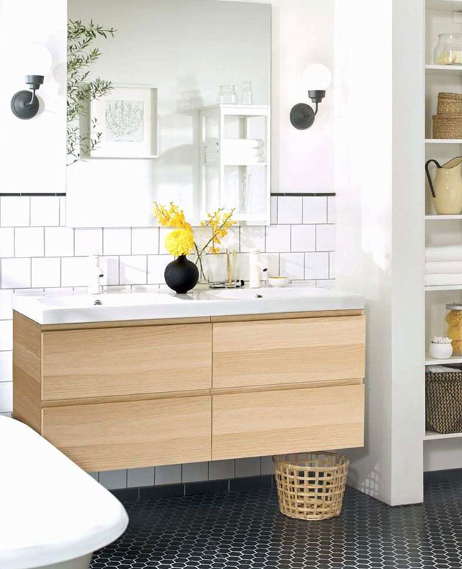 déco salle de bain scandinave bois chic noir