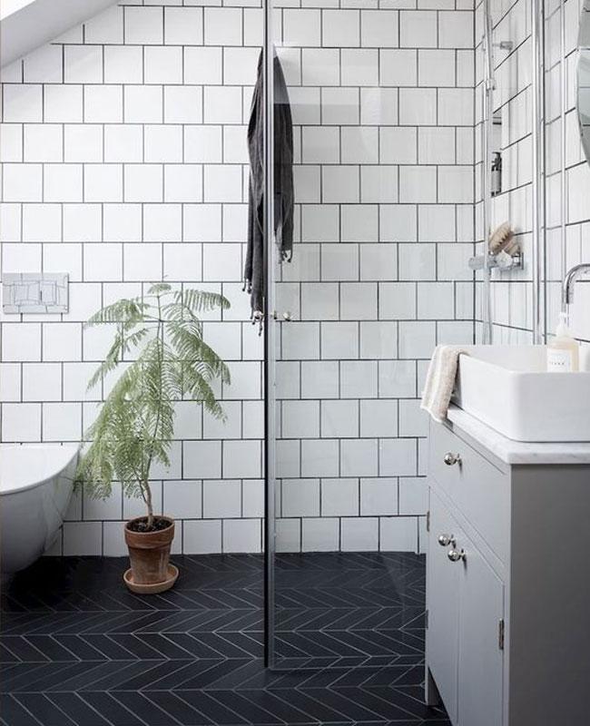 déco salle de bain scandinave blanc noir