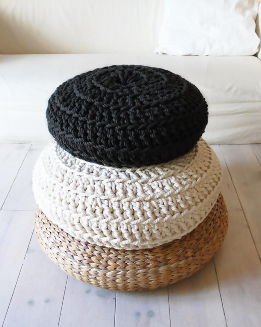 coussin sol crochet noir