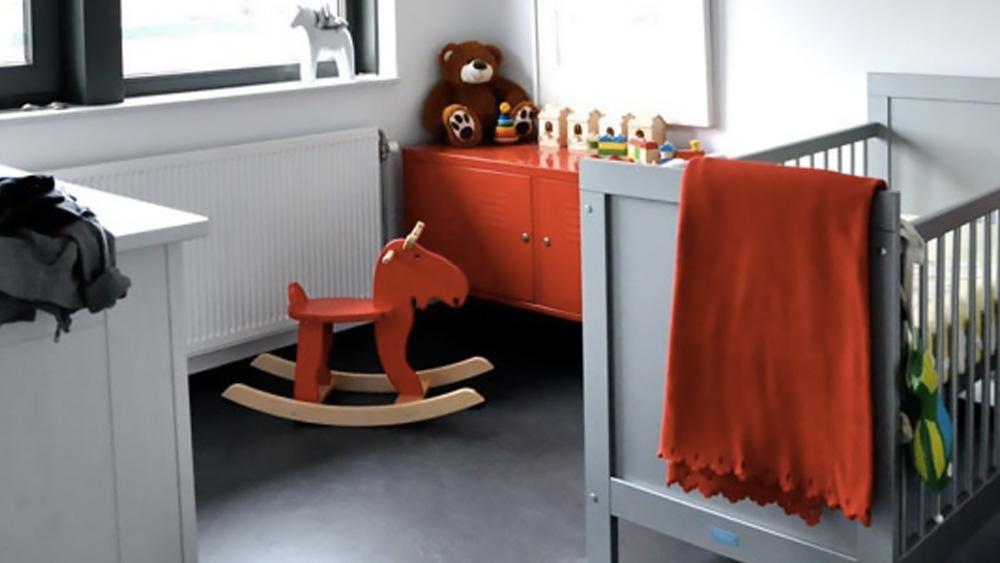 deco chambre enfant moderne rouge gris