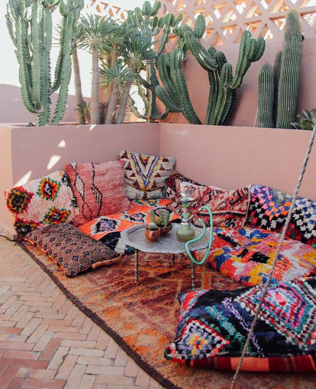 deco terrasse ethnique coussins cactus