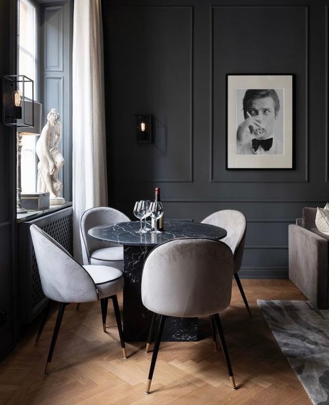 salle a manger moderne chic mur noir