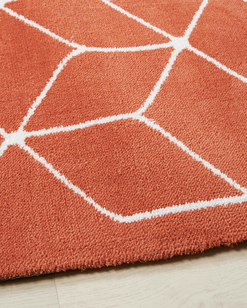 tapis rouge brique