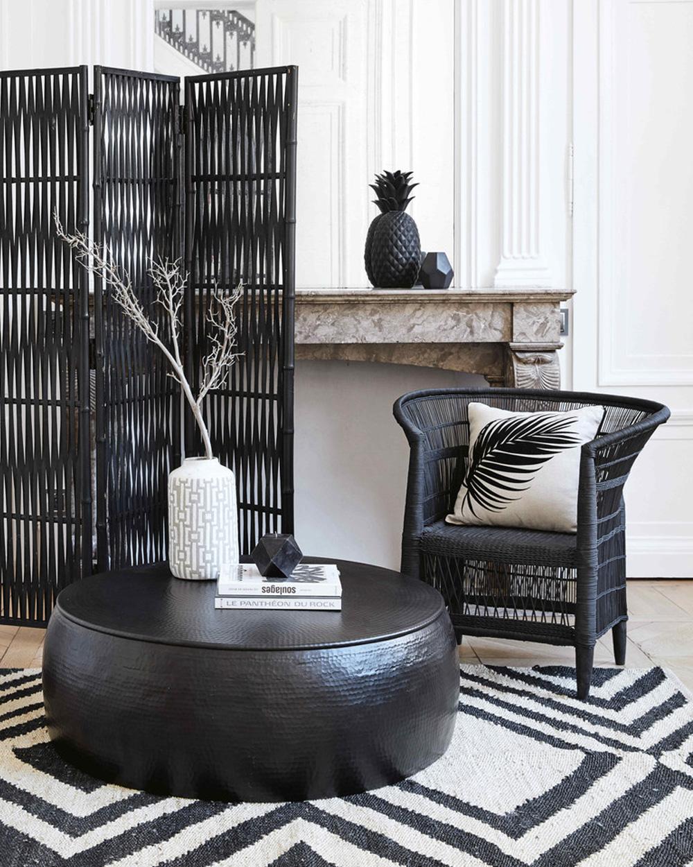 fauteuil noir tressé ethnique