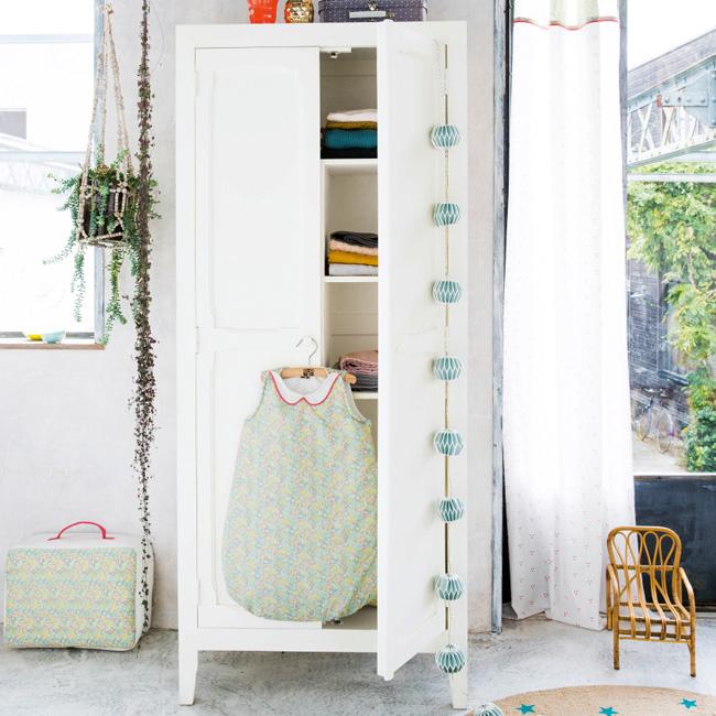 armoire vintage enfant parisienne ivoire