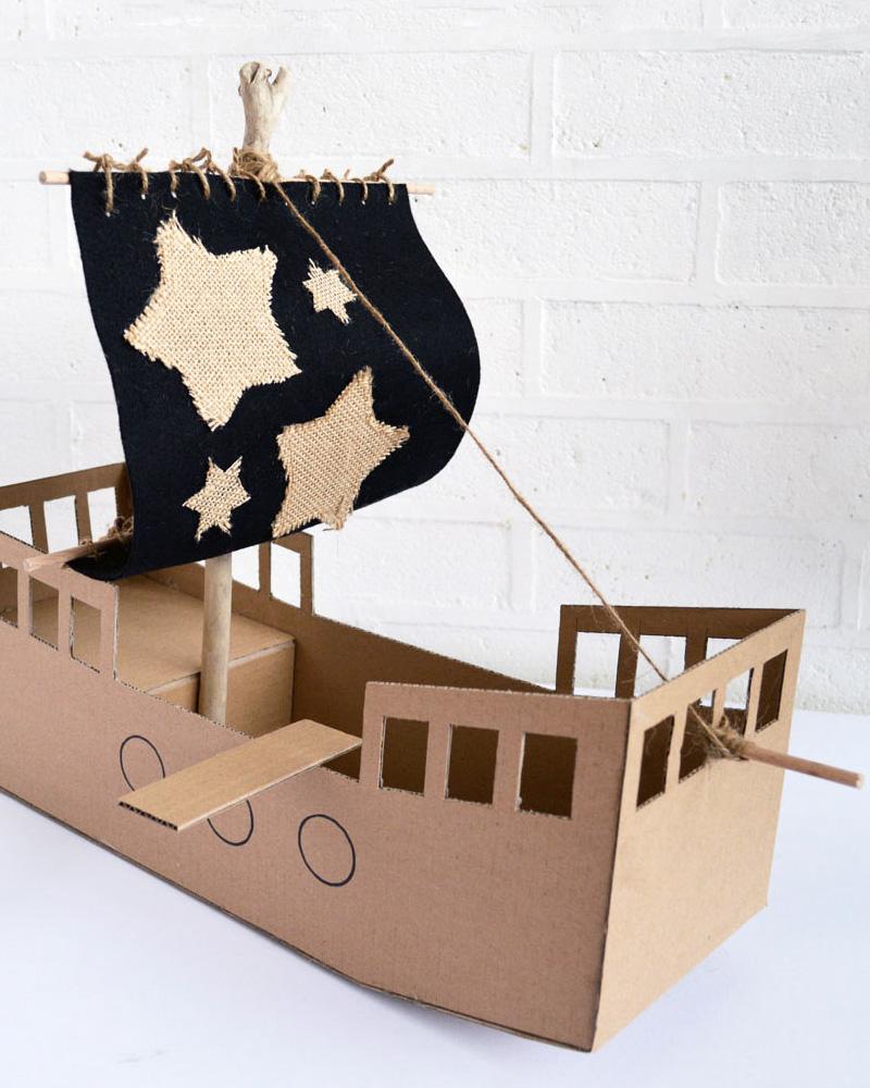 bateau pirate enfant carton diy