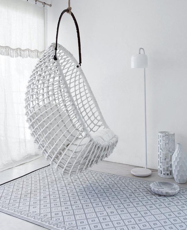 fauteuil suspendu jardin rotin blanc