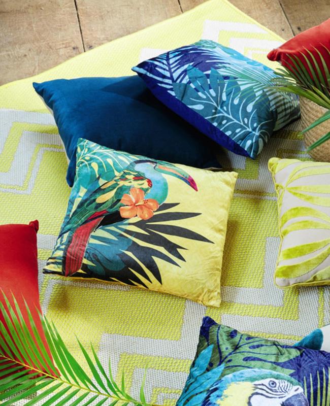 deco urban jungle maisons du monde coussin toucan