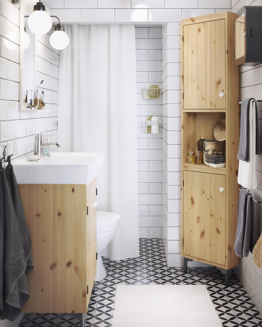 salle de bain bois et carreaux de ciment