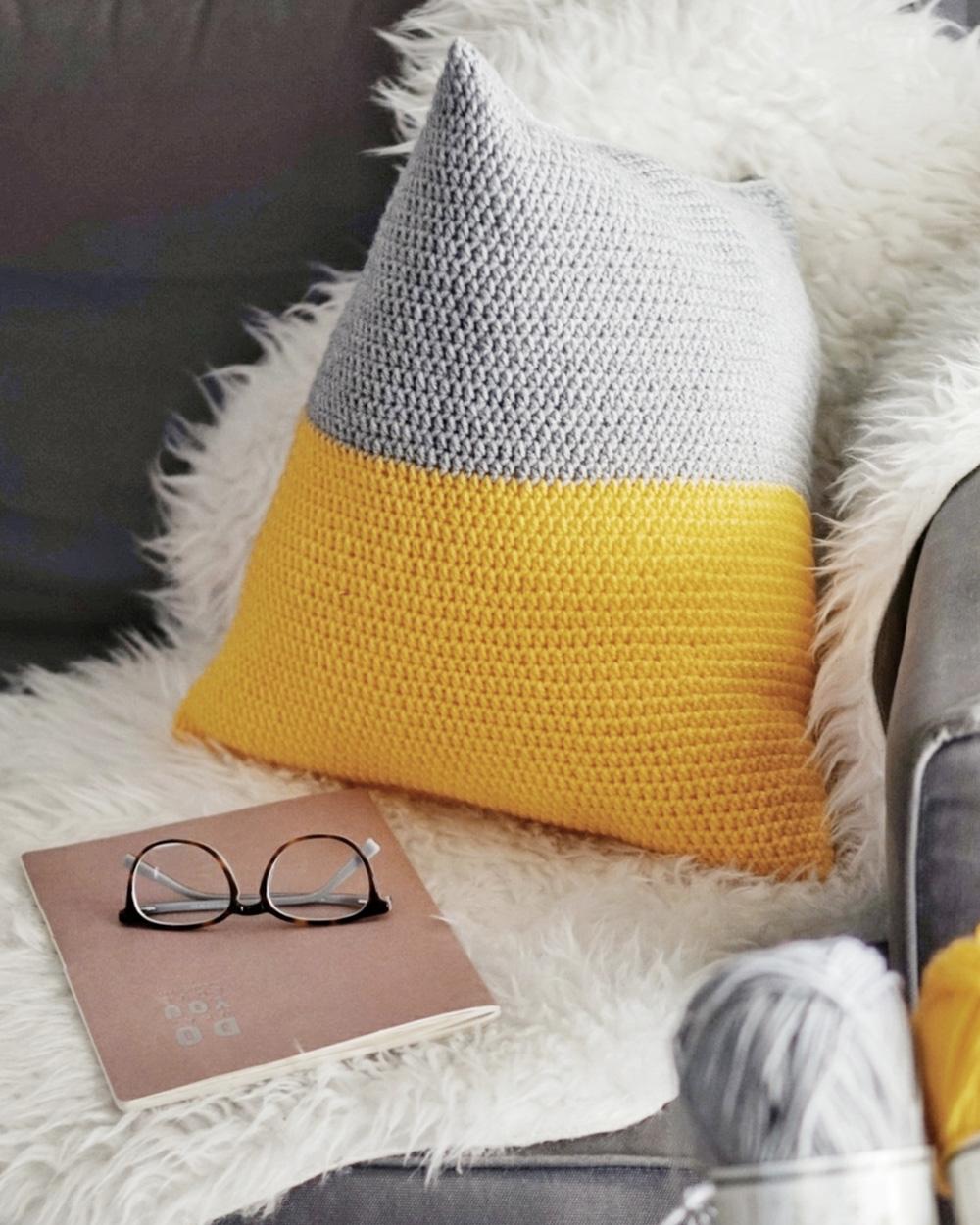 coussin tricot diy bicolore