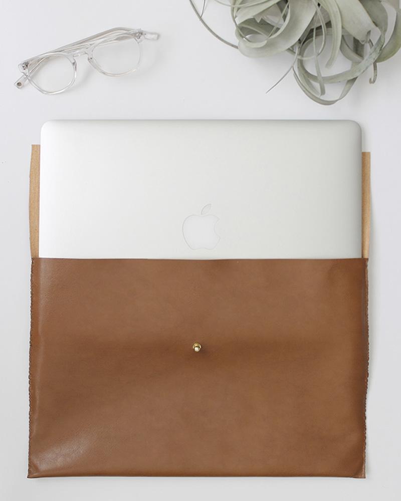 cadeau noel diy pochette ordinateur cuir