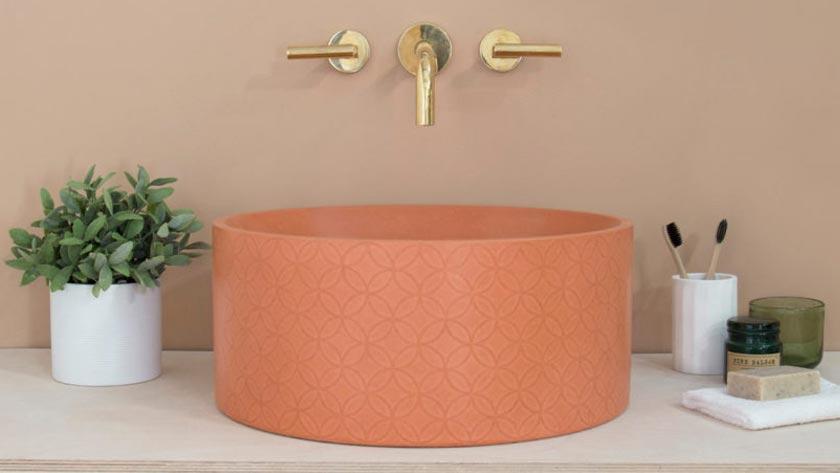 deco couleur terracotta rose blush salle de bain vasque laiton
