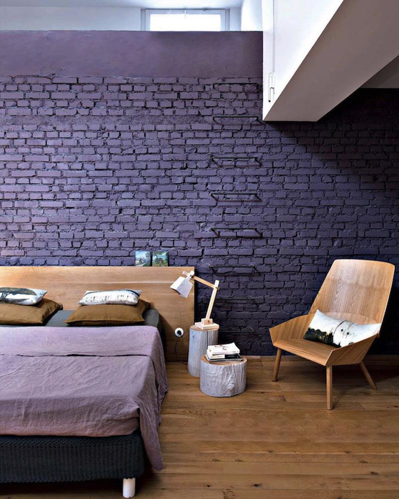 deco violet chambre mur brique