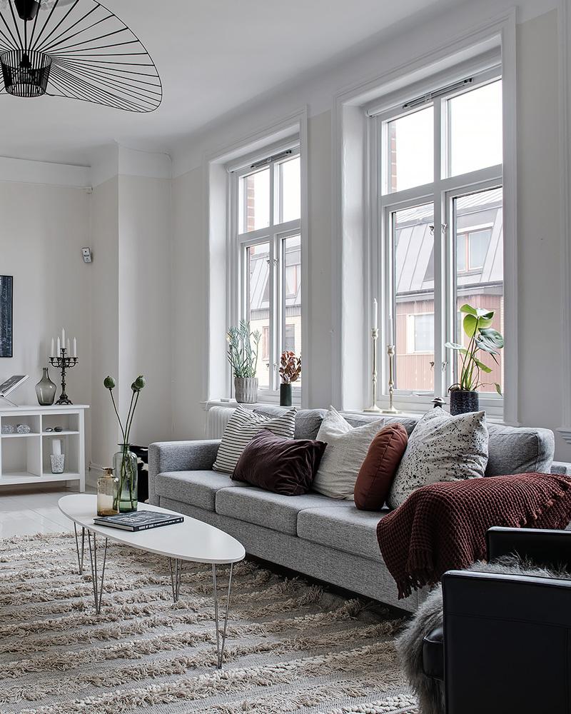 Comment décorer votre salon avec le gris et le blanc ...