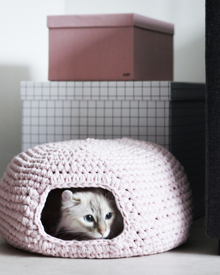 cabane diy chat crochet