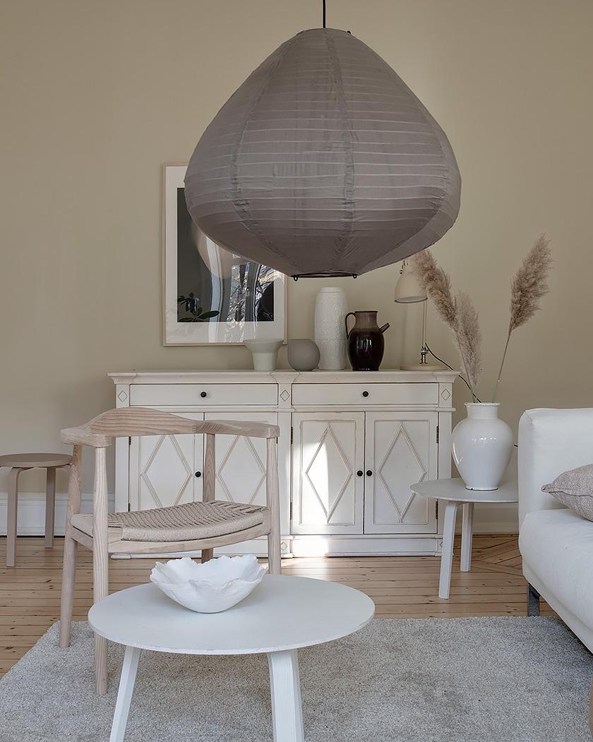 salon scandinave beige buffet blanc