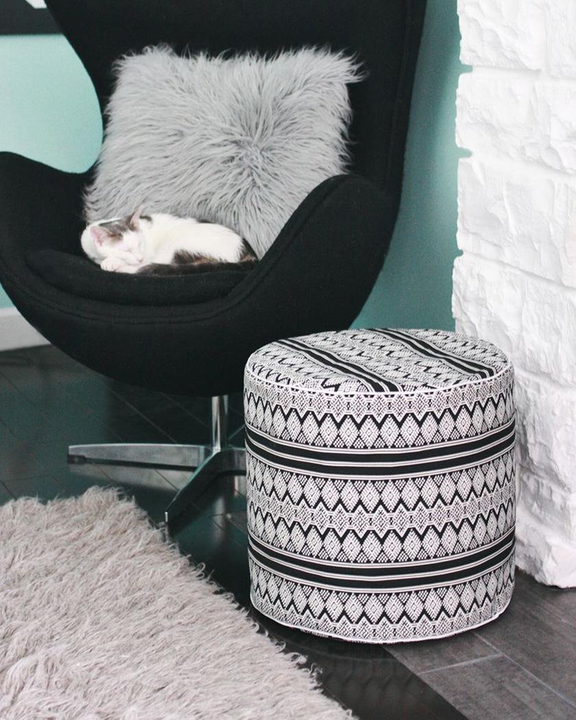 pouf diy ethnique tissu motif noir blanc