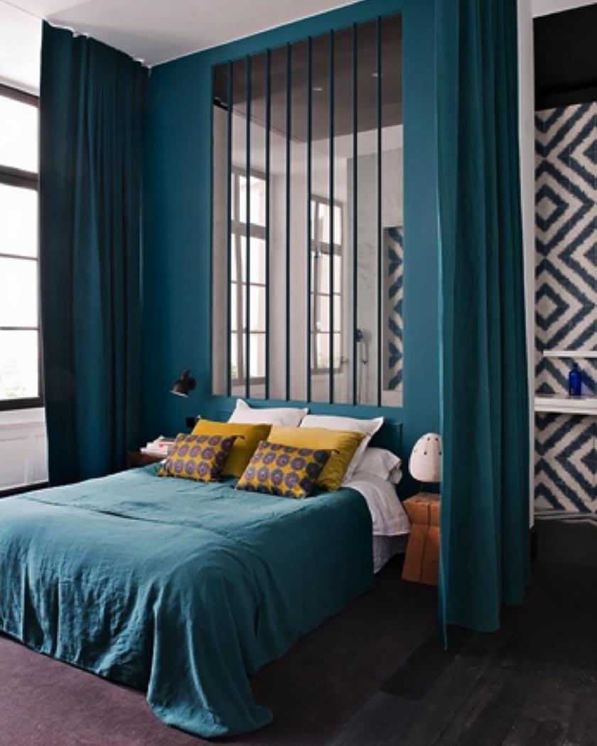 couleur jaune moutarde deco linge de lit bleu canard chambre