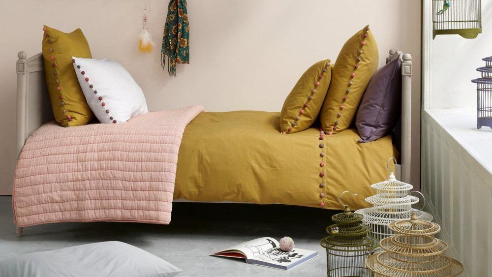 couleur jaune moutarde deco chambre enfant linge de lit