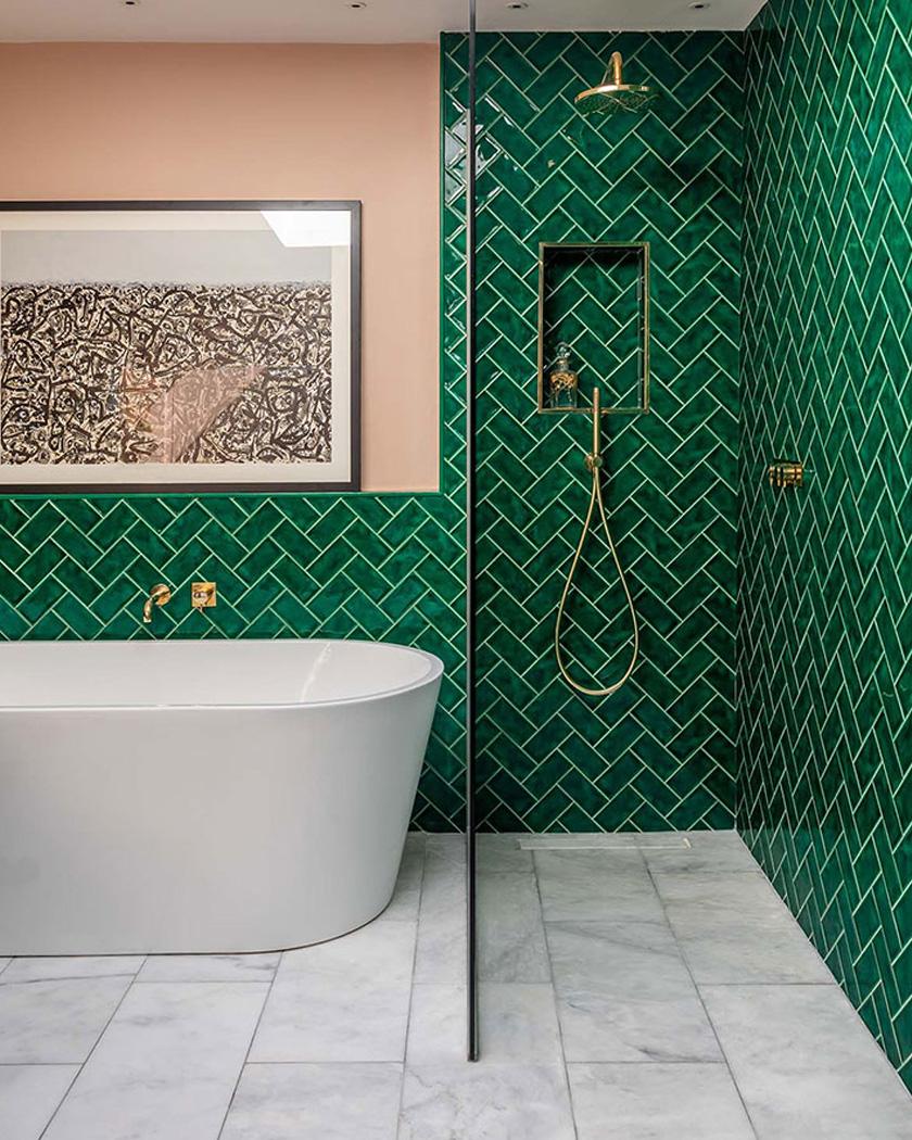 salle de bain deco carrelage métro vert intense rose pastel