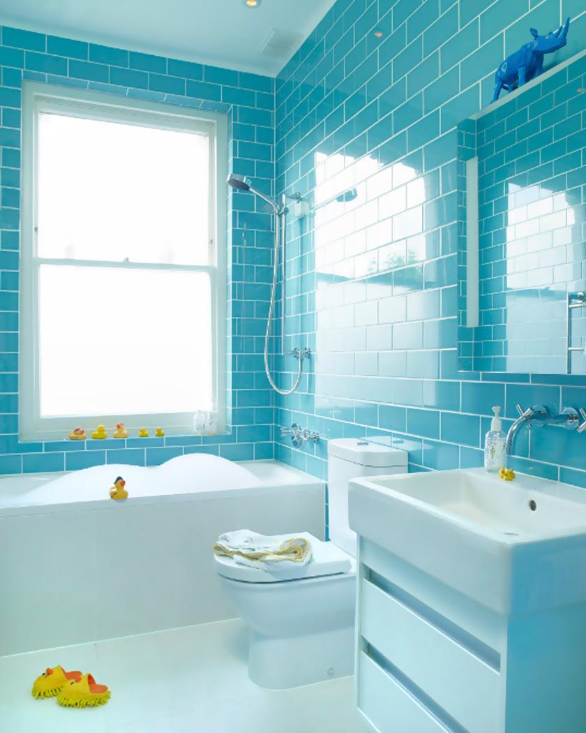 salle de bain deco carrelage métro bleu turquoise