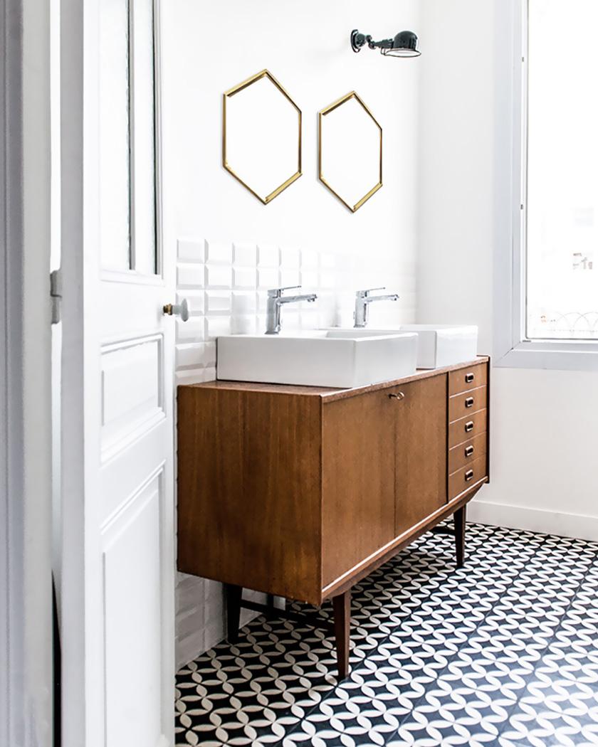 salle de bain deco carrelage métro blanc carreaux de ciment