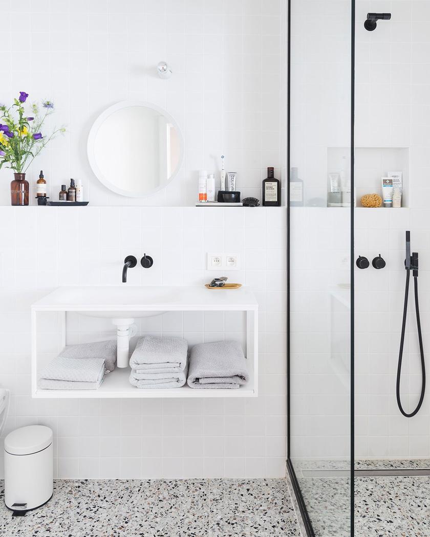 deco salle de bain moderne petite blanche