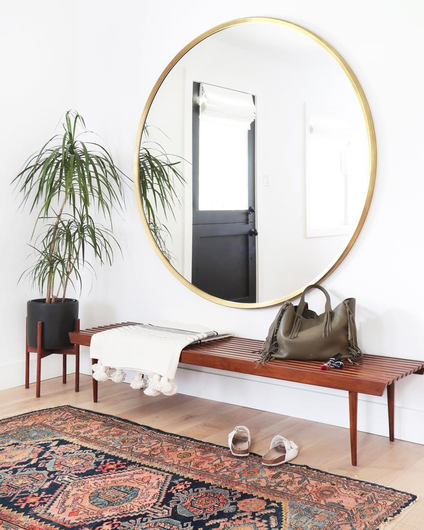 tapis persan deco entrée banc vintage miroir rond