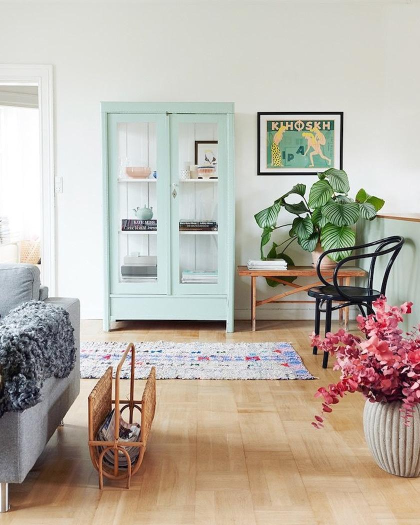armoire parisienne deco vitrine vert menthe