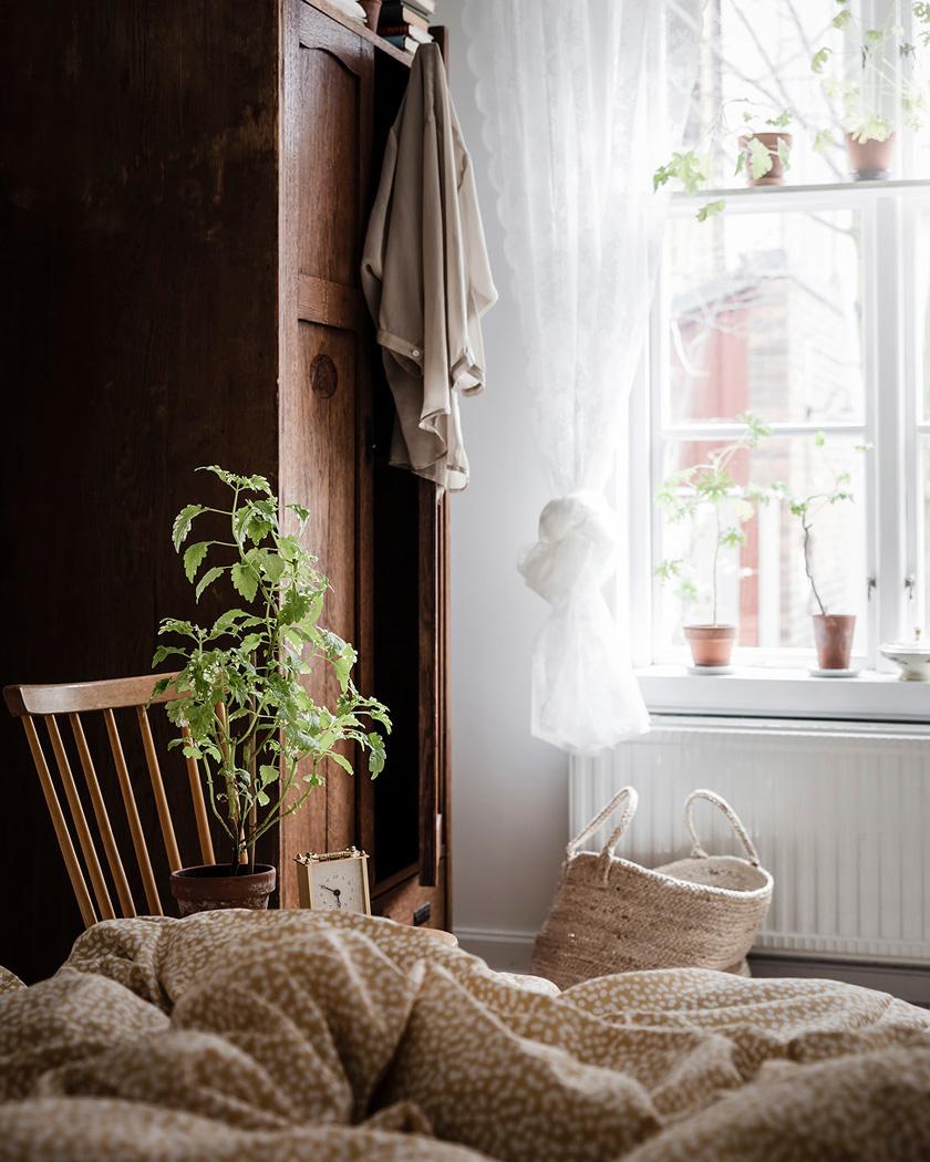 deco rustique moderne chambre armoire vintage bois