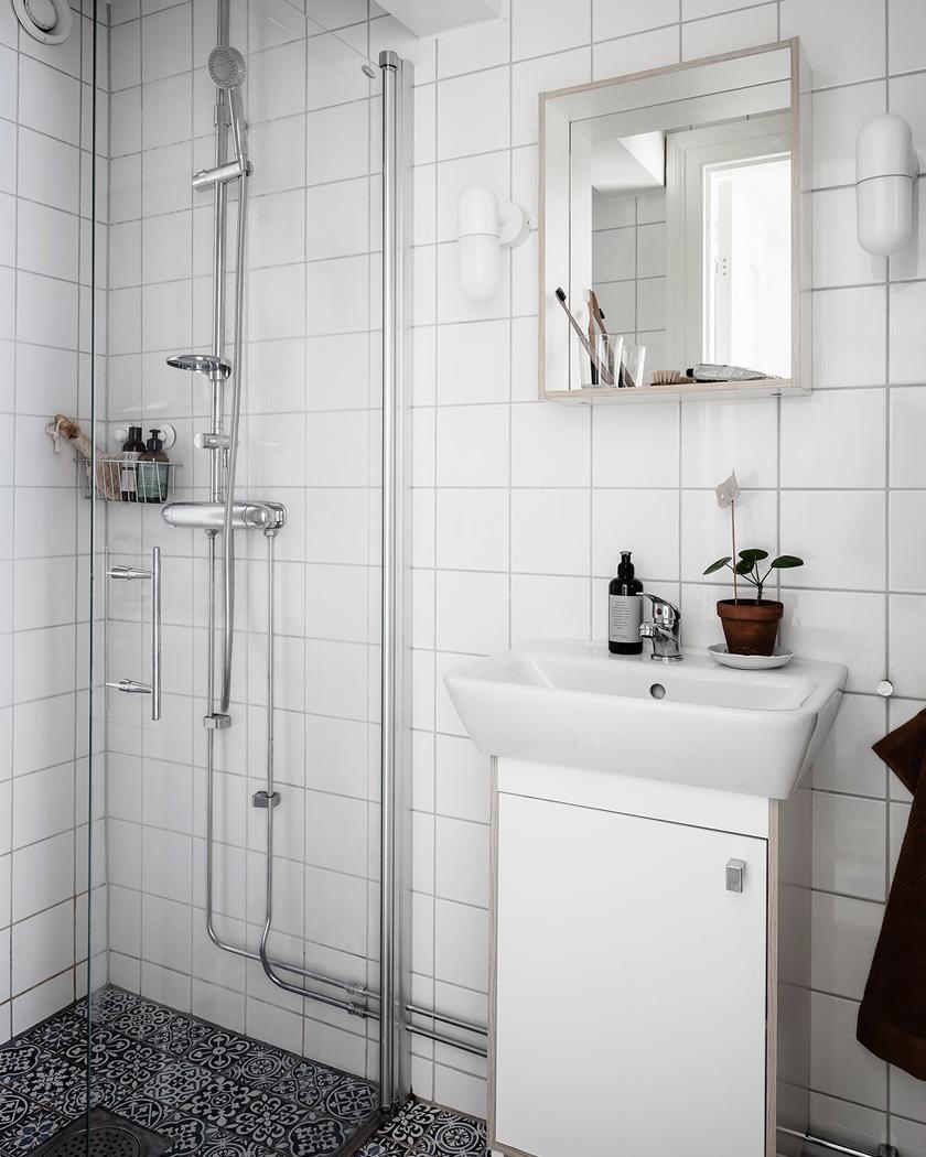deco rustique moderne salle de bain blanche