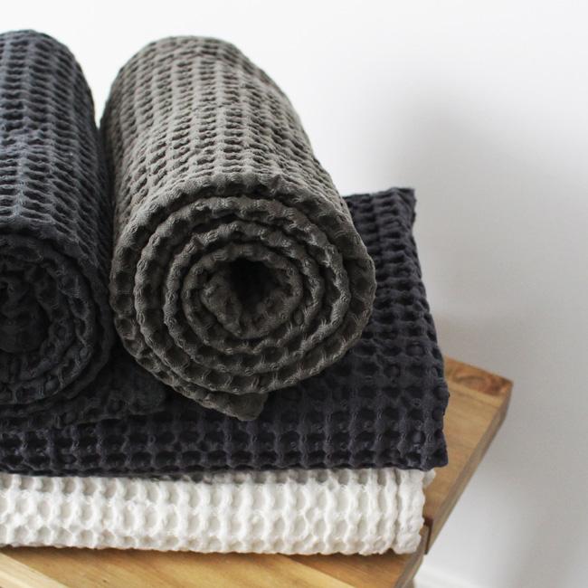 accessoire salle de bain etrias serviettes
